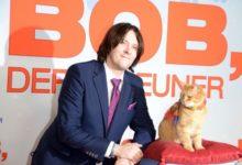 Photo of В Великобритании начали собирать средства на памятник уличному коту Бобу»