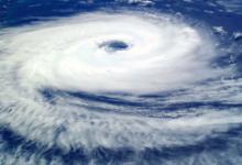 Photo of На юге Японии из-за тайфуна «Хайшэн» закрыли магазины и отменили авиарейсы»