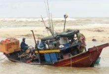 Photo of Тайфун «Вамко» обрушился на центральную часть Вьетнама»